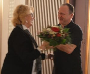 Blumen gab es für Michi Baumgärtner
