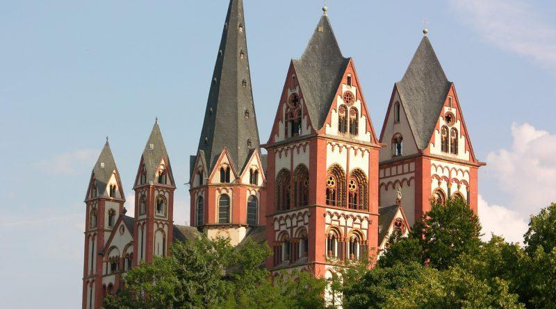 Aussendung im Limburger Dom